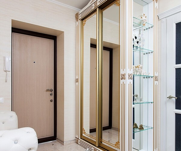 Шкаф купе с распашными дверями (2)